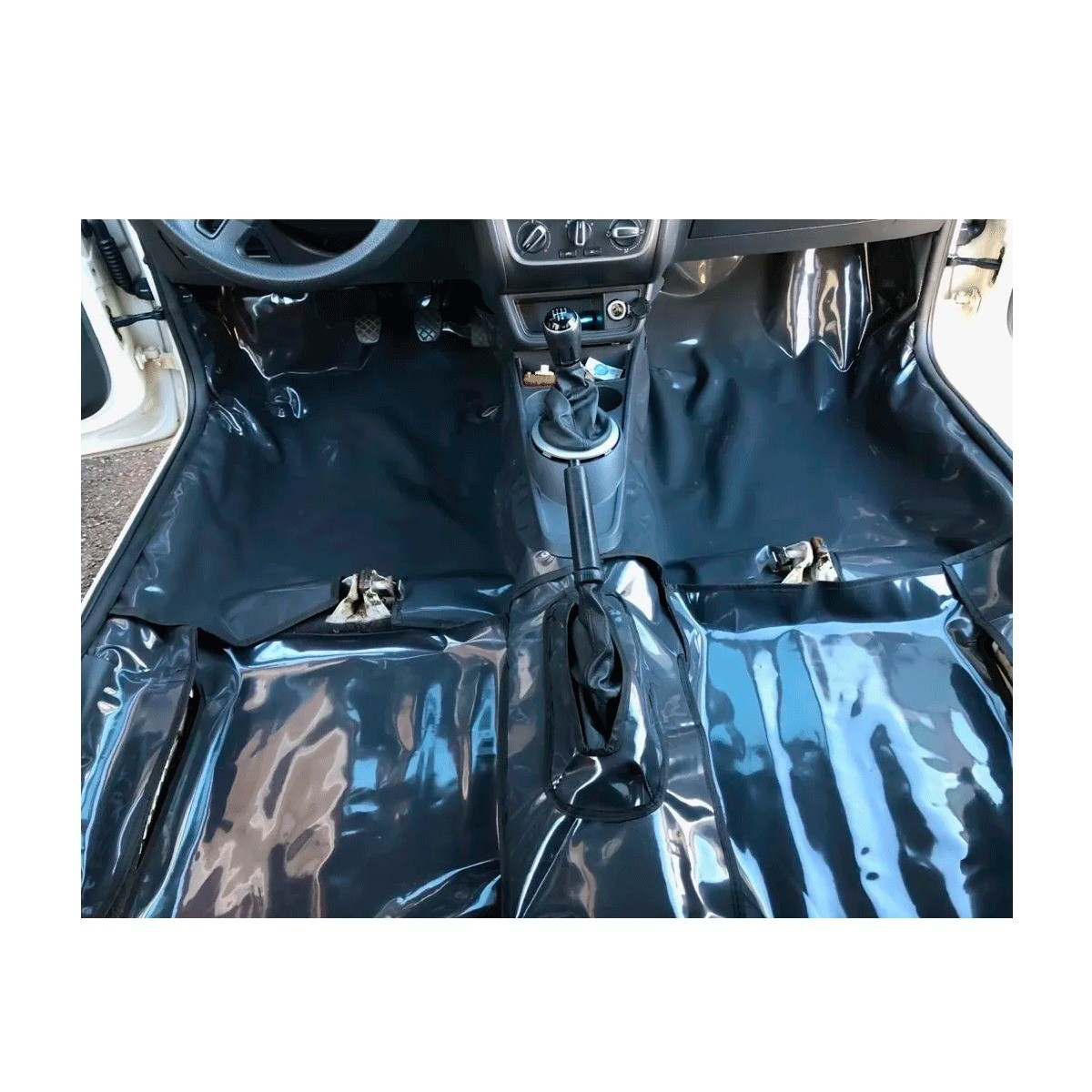 Tapete Carpete Assoalho Vinil Verniz Volkswagen Saveiro Cross Dupla Estendida G5 G6 G7 Grafite