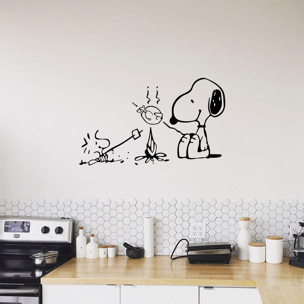 Adesivo de Parede Snoopy Piquenique Fogueira
