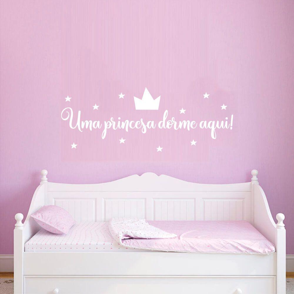 Adesivo de Parede Uma Princesa Dorme Aqui!