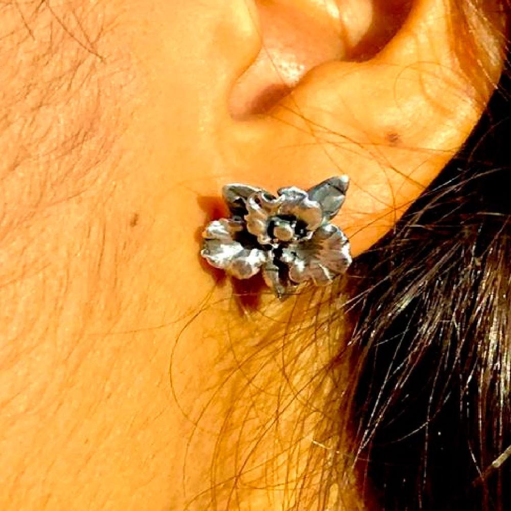 Brinco de Orquídea Flor - 3639  - Magia das Joias