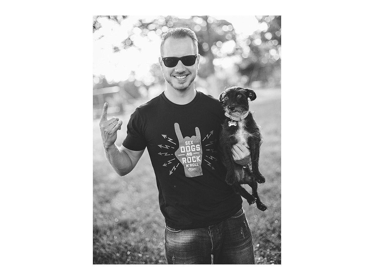 Camiseta Unissex Sex, Dogs & Rock'n Roll