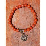 Pulseira Pedra Natural  Jaspe Vermelho com Pingente de Coração em Ouro Velho