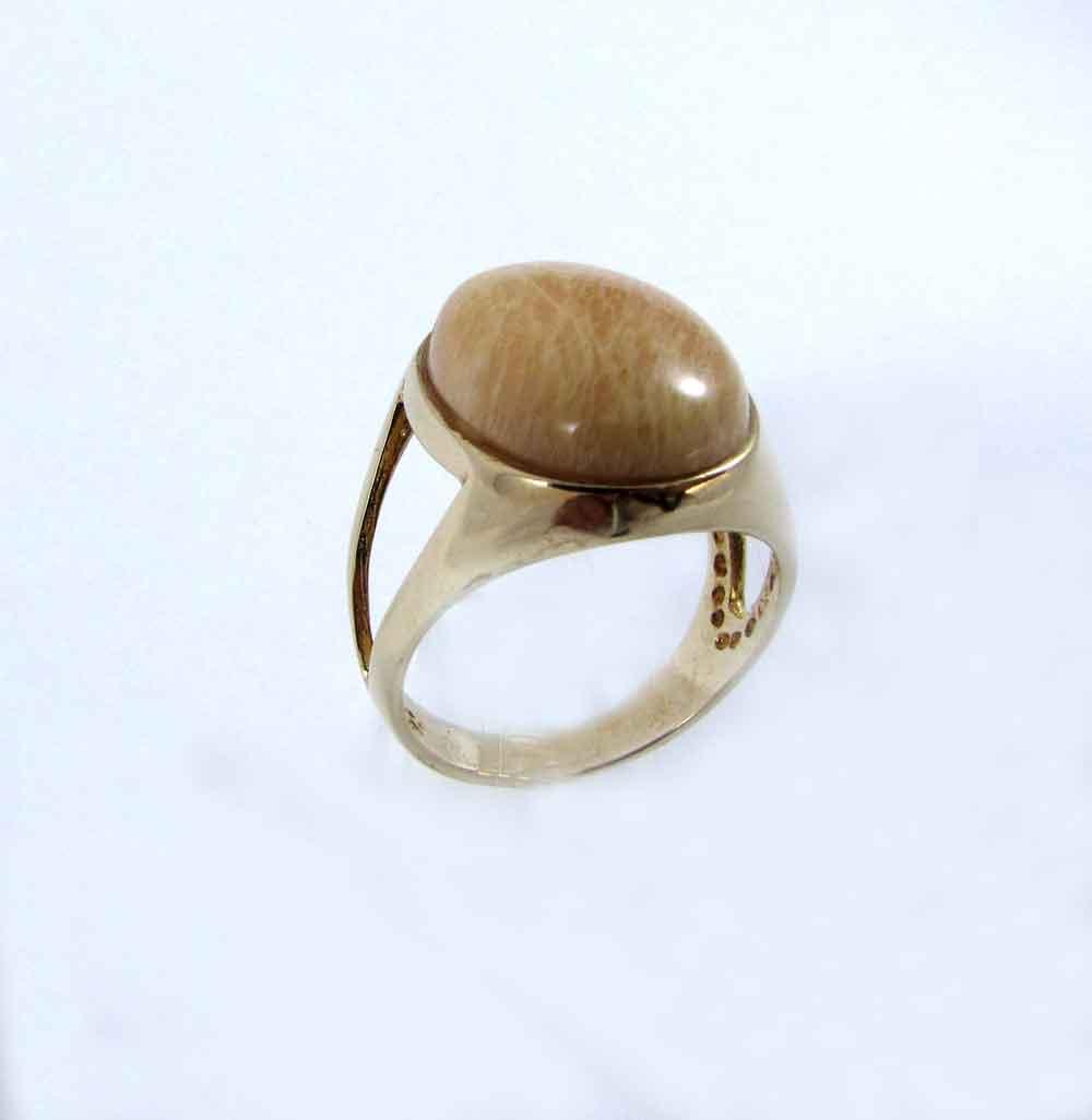 Anel Pedra Natural Feldspato com Acabamento Dourado  (n. 21)