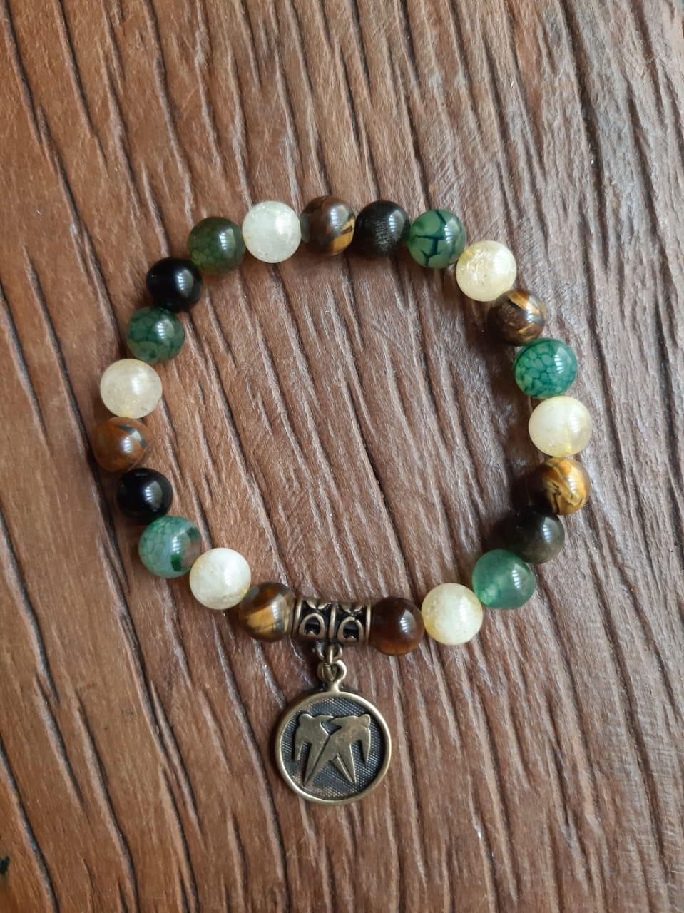 Pulseira Pedras Naturais Olho de Tigre,  Citrino, Obsidiana e Ágata Verde com Adorno em Ouro Velho