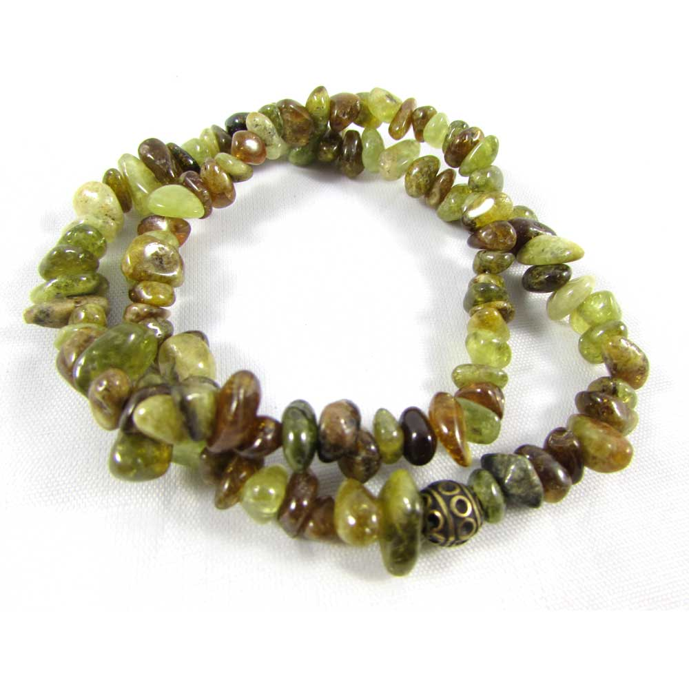 Pulseira Dupla Pedra  Natural Granada Verde com Adorno em Ouro Velho