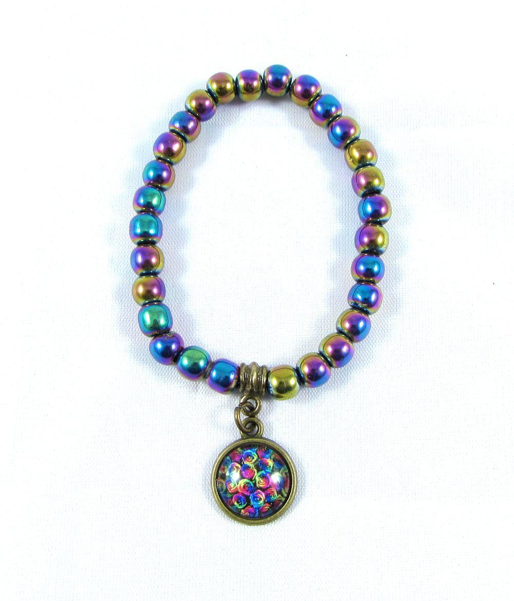 Pulseira  Pedra  Natural Hematita Rainbow Irisdescente com Pingente Floral em Ouro Velho