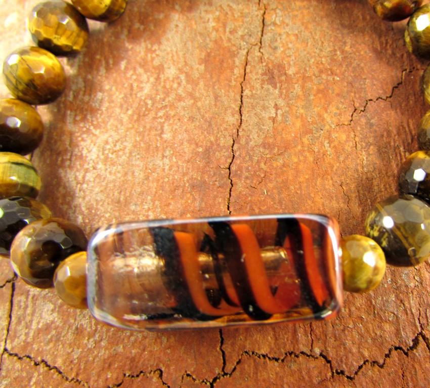 Pulseira Pedra Natural Olho de Tigre  com Adorno em Murano