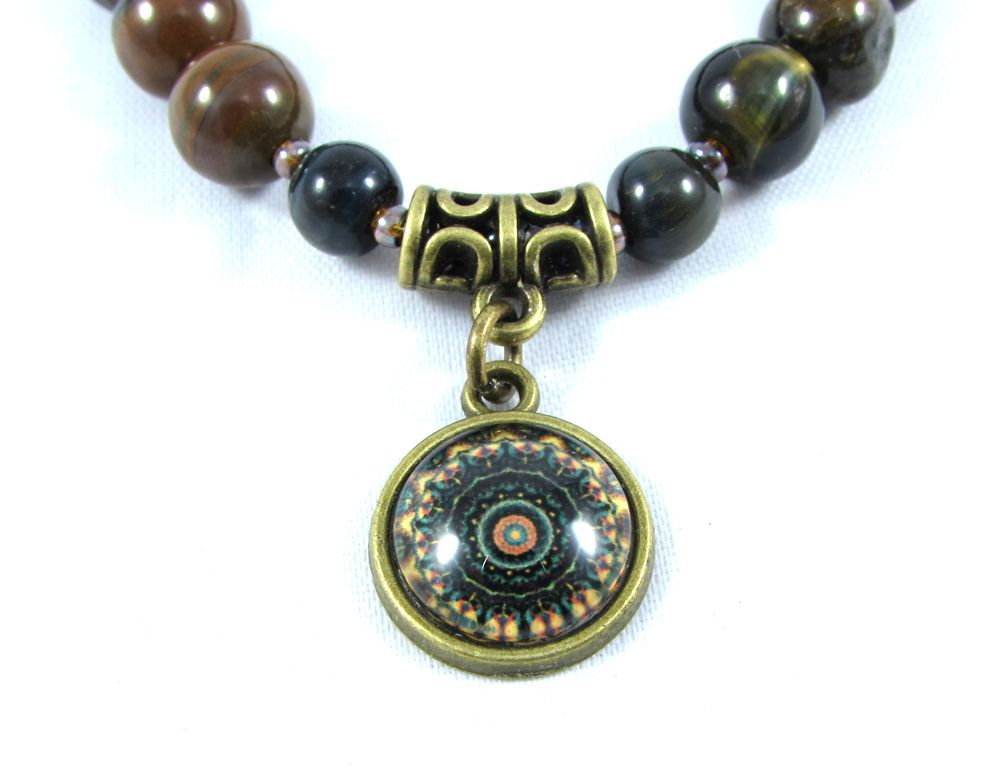 Pulseira  Pedra Natural Olho de Falcão com Pingente de Mandala em Ouro Velho
