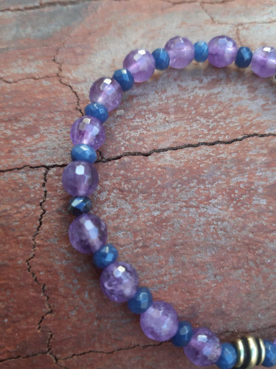 Pulseira Pedras Naturais  Ametista e Ágata Azul com Pingente em Mandala