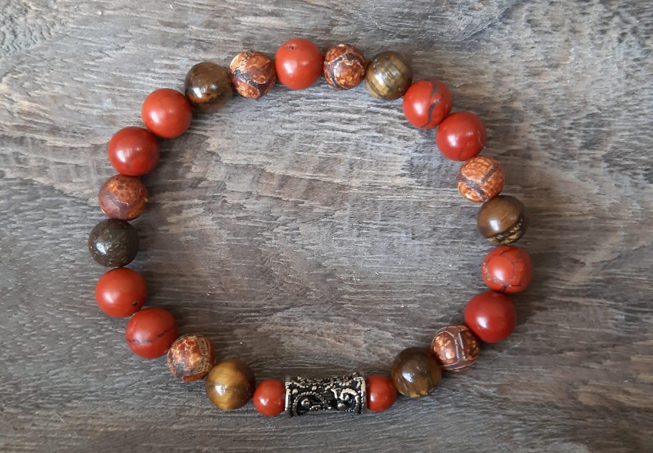 Pulseira  Pedras Naturais Jaspe  Vermelho, Ágata Tibetana  e Olho de Tigre com Adorno Arabesco Prateado