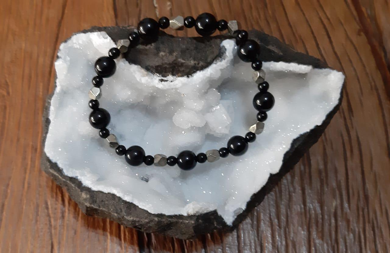 Pulseira Pedras Naturais Turmalina Negra e Pirita