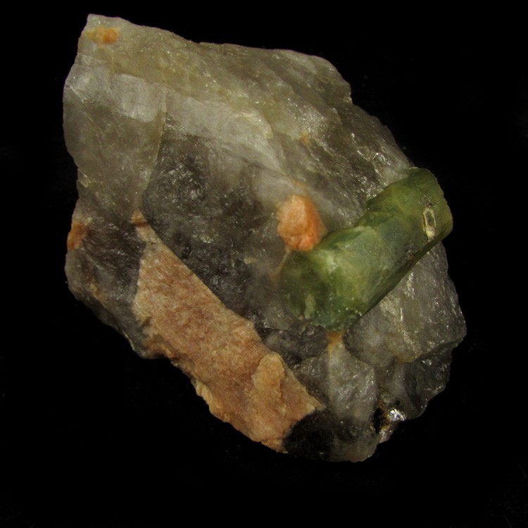Turmalina Verde na Matriz Pedra Natural Bruta - Frete Grátis - 5101
