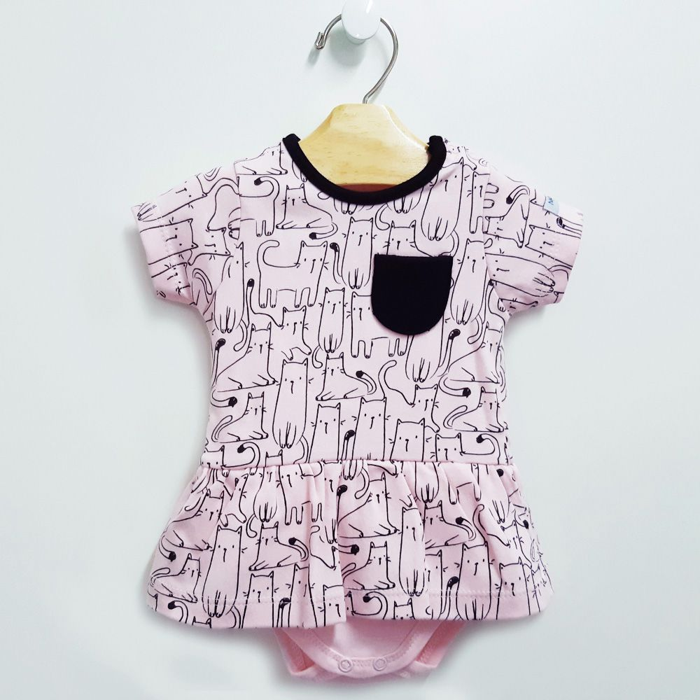 Macacão Curto Gatinhos (modelo vestido) - Linha NUPIE