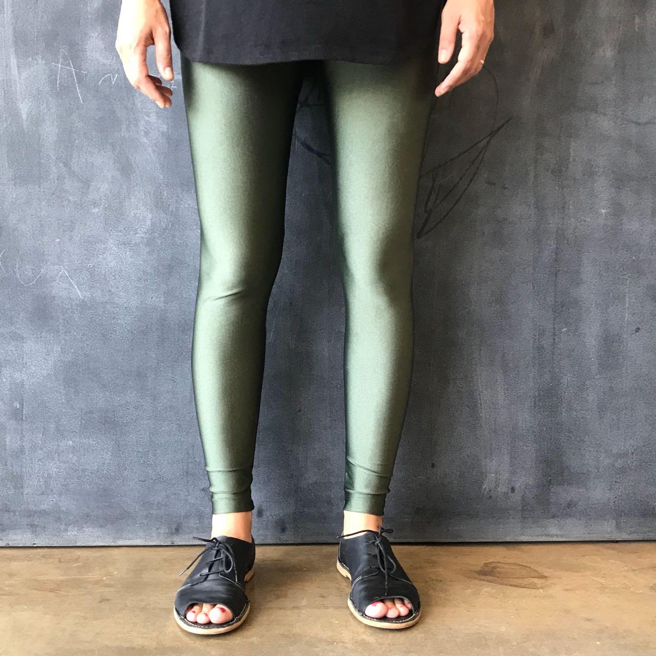Calça Legging Adulto Básica Brilhante Oliva