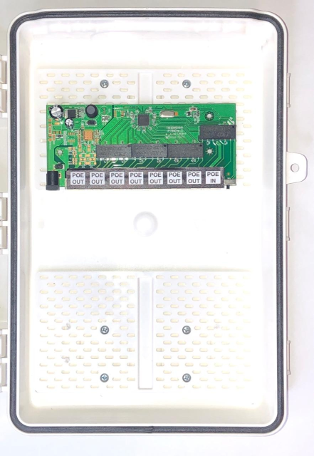 Switch Xwave MegaPoE FAST com Caixa Hermética  - ComputechLoja