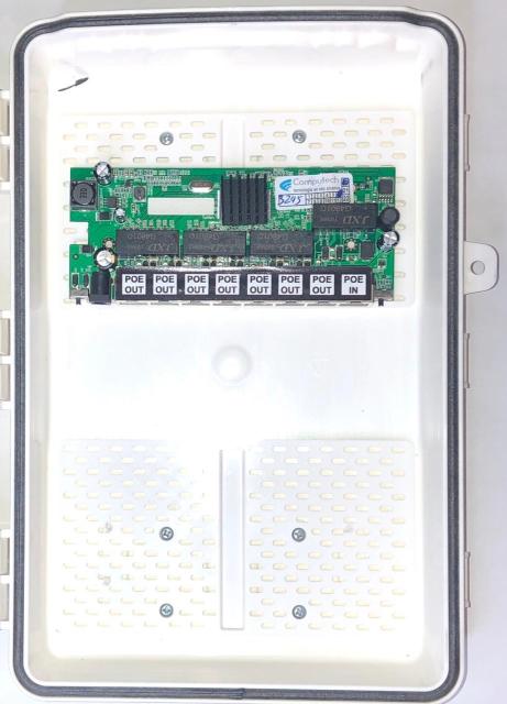 Switch Xwave MegaPoE GIGA Fonte Redundante com Caixa Hermética  - COMPUTECH TECNOLOGIA