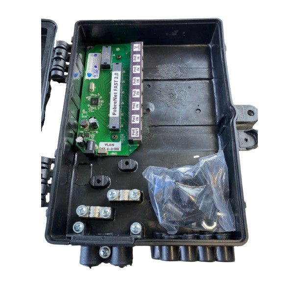 Xwave PobreNet 2.0 PAC Switch 8 Portas Fast Ethernet Chave VLAN-BRIDGE com Caixa  - COMPUTECH TECNOLOGIA