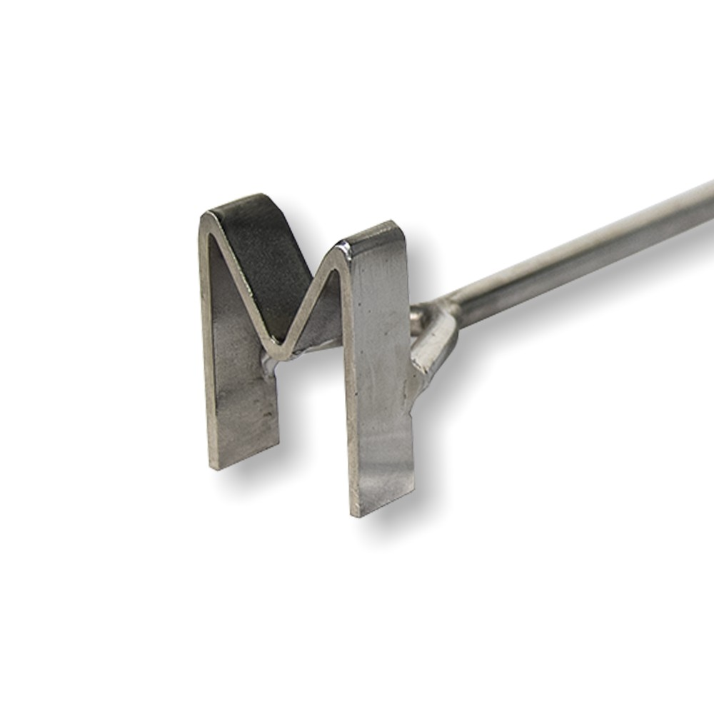 Marcador de Gado em aço inox Letra M
