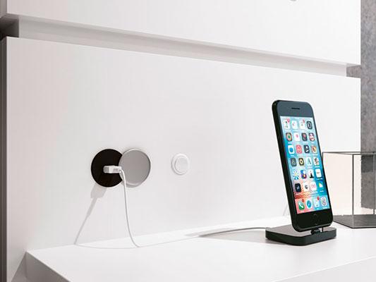 Cabeceira Delicata Com Luz de LED e Entrada USB - Fenix
