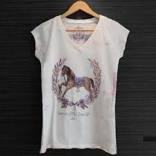 Camiseta Feminina - Flores and Horses