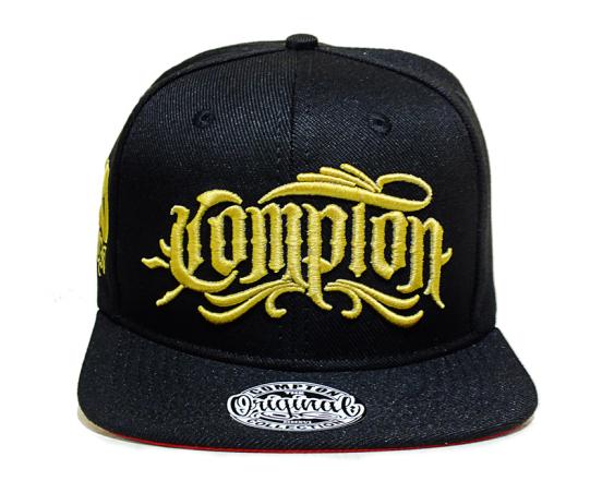 Boné Compton Snapback Script Dourado