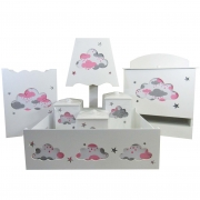 Kit Higiene Bebê MDF Com 7 Peças Nuvem Rosa