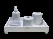 Kit Higiene Porcelana Boneco e Inicial Prata Bandeja com Inicial Decoração Quarto De Bebê Infantil