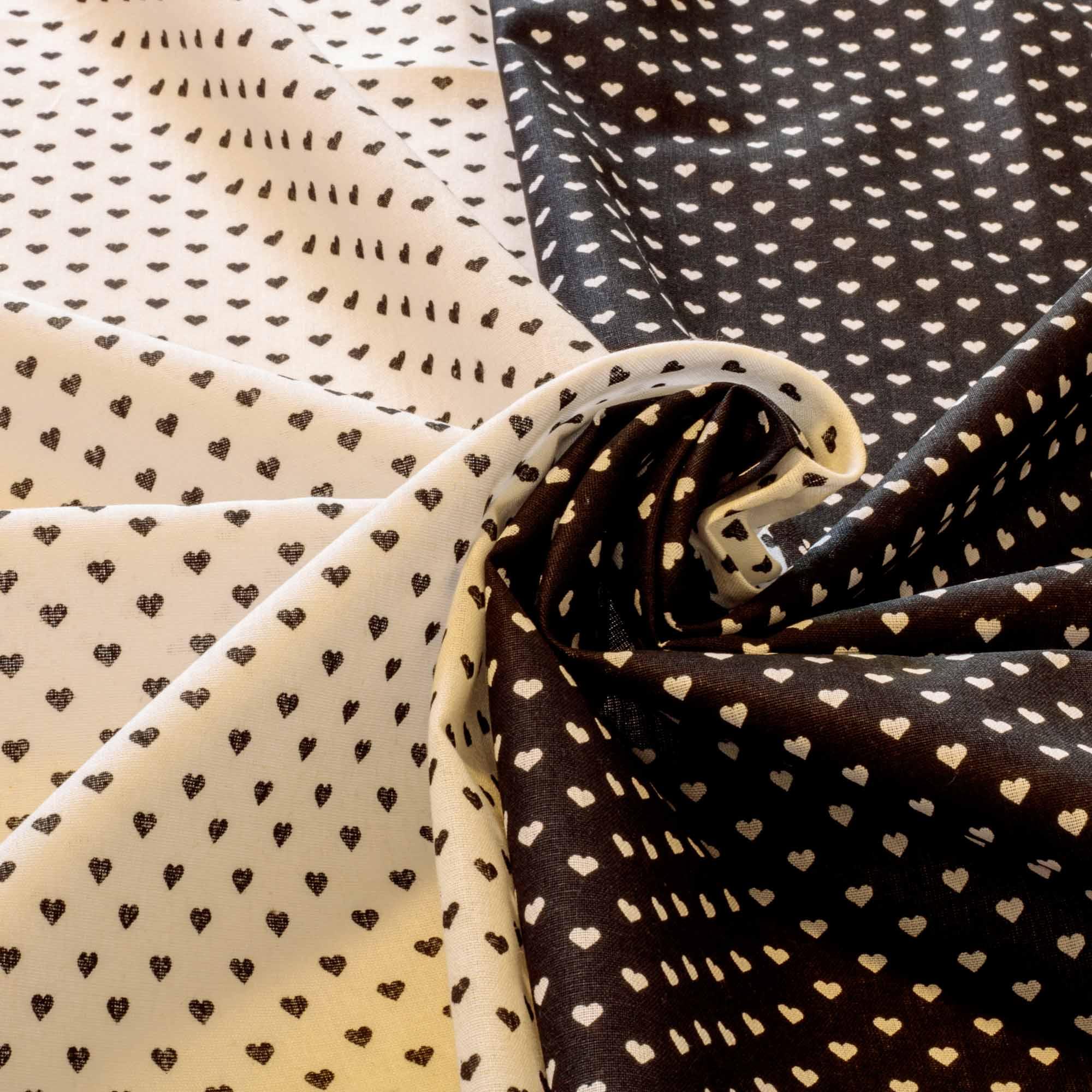 Kit Composê tecido tricoline coração 1,40 m largura preto