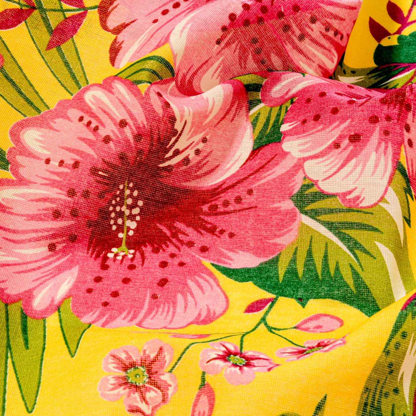 Tecido Chitão Estampado Flores Rosa 100% Algodão Fundo Amarelo