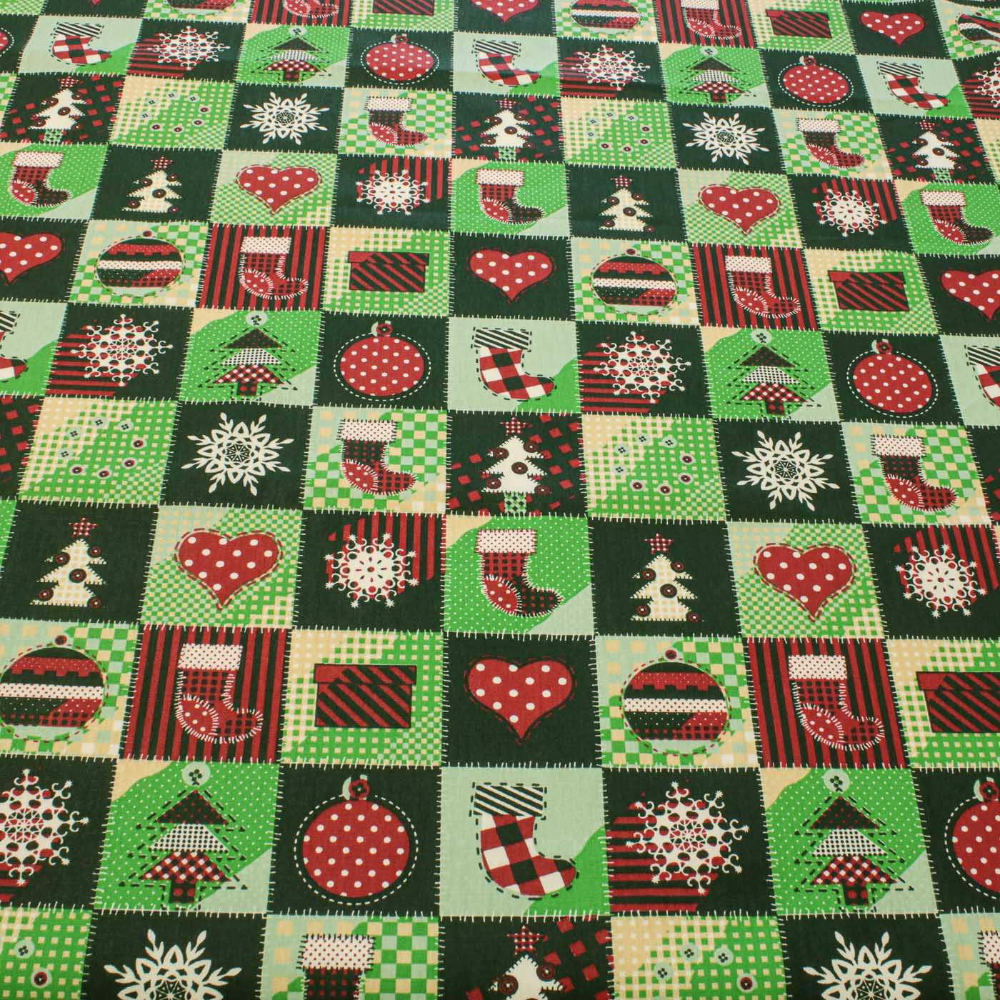 Tecido Tricoline Estampado Natal Botas Meias Corações  Verde