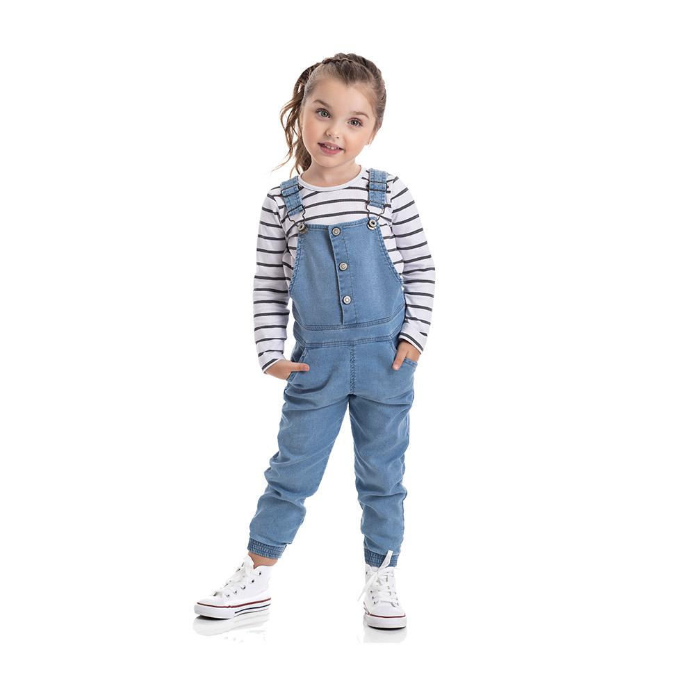Jardineira em Jeans confort claro com Blusinha TMX