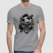 Camiseta - SKULL AND BOLA. Masculina