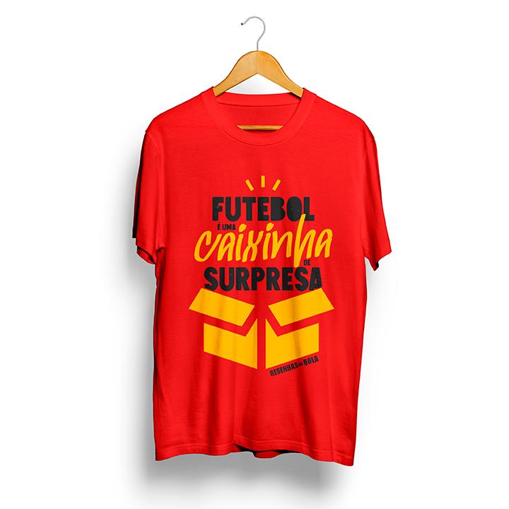 Camiseta - FUTEBOL É UMA CAIXINHA DE SURPRESAS - Masculino
