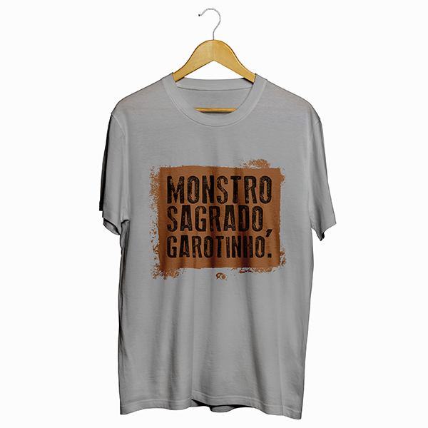Camiseta - MONSTRO SAGRADO, GAROTINHO! Masculino