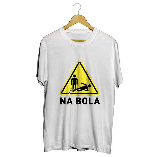 Camiseta - NA BOLA. Masculino
