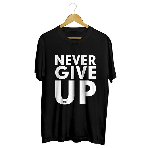 Camiseta - NEVER GIVE UP. Masculino