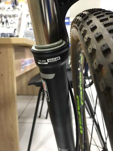 Suspensão Rock Shox Recon Silver Tk 29 Tapered 15mm