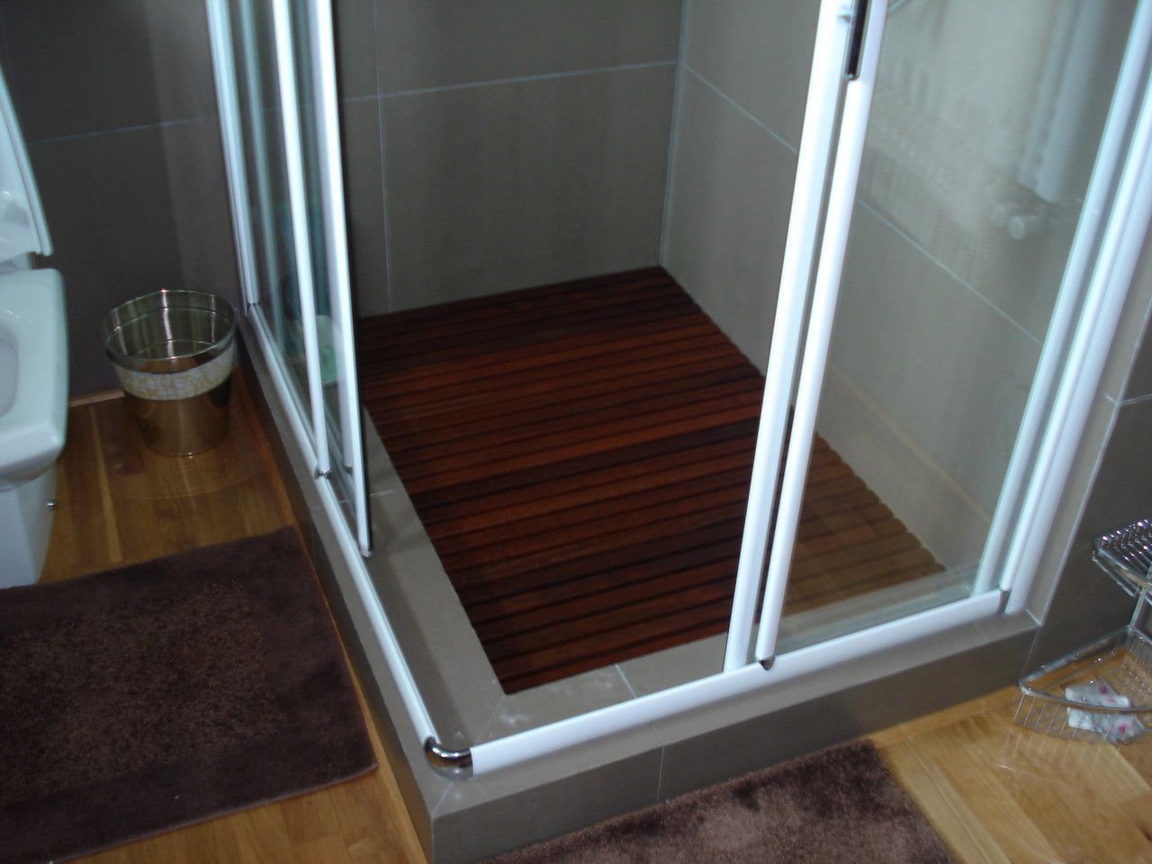 Deck De Madeira Chuveiro Box Banheiro Capacho 79x79 cm Verniz