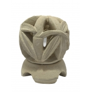 Castiçal em Pedra Areia com Escultura Bambu ( 10x12cm )