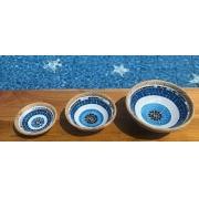 Prato Cerâmica Redondo com Mosaico de Olho Grego com Bordas em Rattan ( 20, 25 e 30 cm )