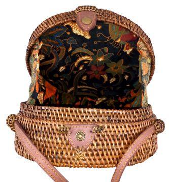 Bolsa Circular Tradicional com Trançado Suave em Rattan e Interior em Tecido ( 20cm )