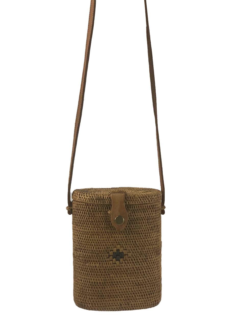 Bolsa Baú Tradicional de Ombro em Rattan ( Alça 60cm - Bolsa 20cm )
