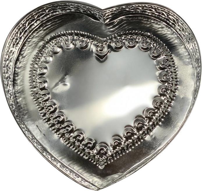 Caixa em Formato de Coração c/ Detalhes em Alto-Relevo ( 22cm )