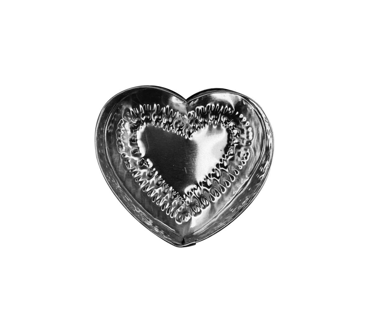 Caixa em Formato de Coração c/ Detalhes em Alto-Relevo ( 8cm )