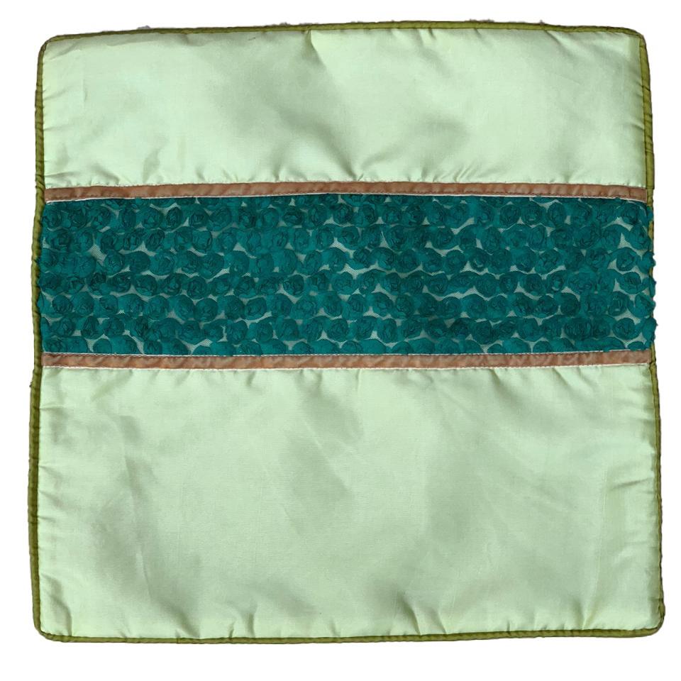 Capa Almofada em Cetim com fundo em Tule e detalhes em Veludo ( 41x41cm ) [ Marrom, Laranja, Amarelo e Verde ]