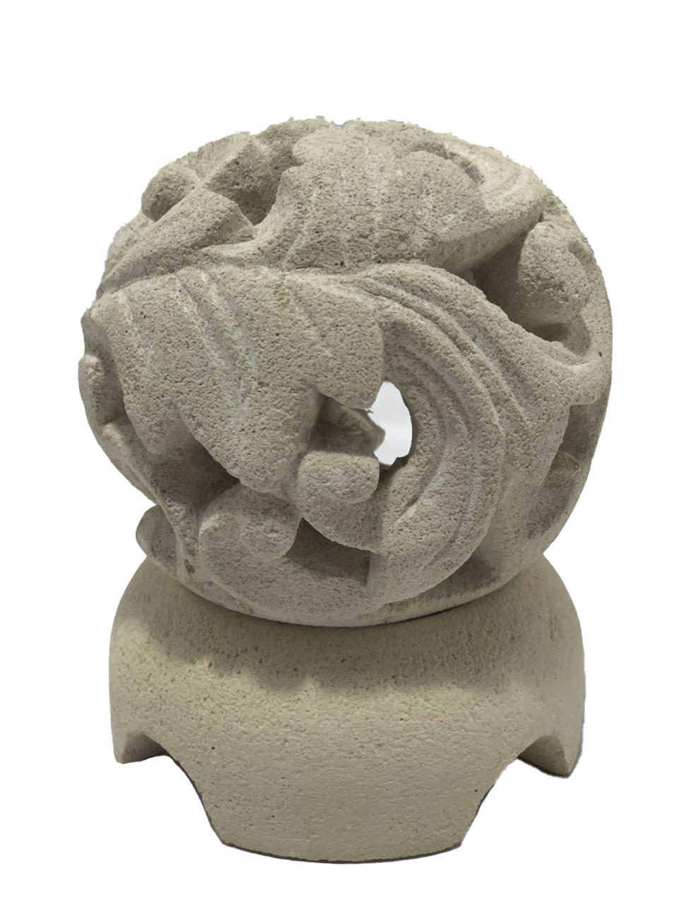 Castiçal em Pedra Areia com Escultura Folhas ( 11x12cm )