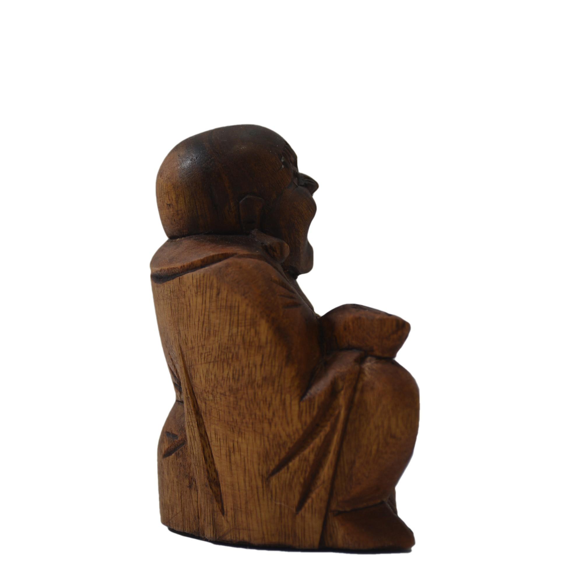 Escultura Buda Maitreya (Hotei) em Madeira Suar em Tom Natural ( 9 cm )