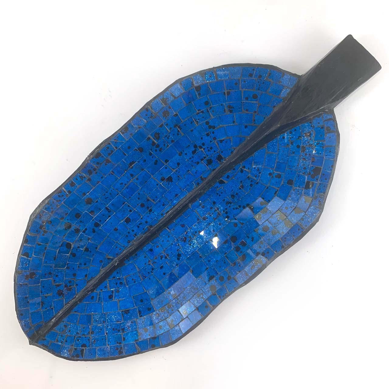 Escultura de Folha em Madeira com Mosaico em Vidro Azul ( 50, 60 ou 80 )