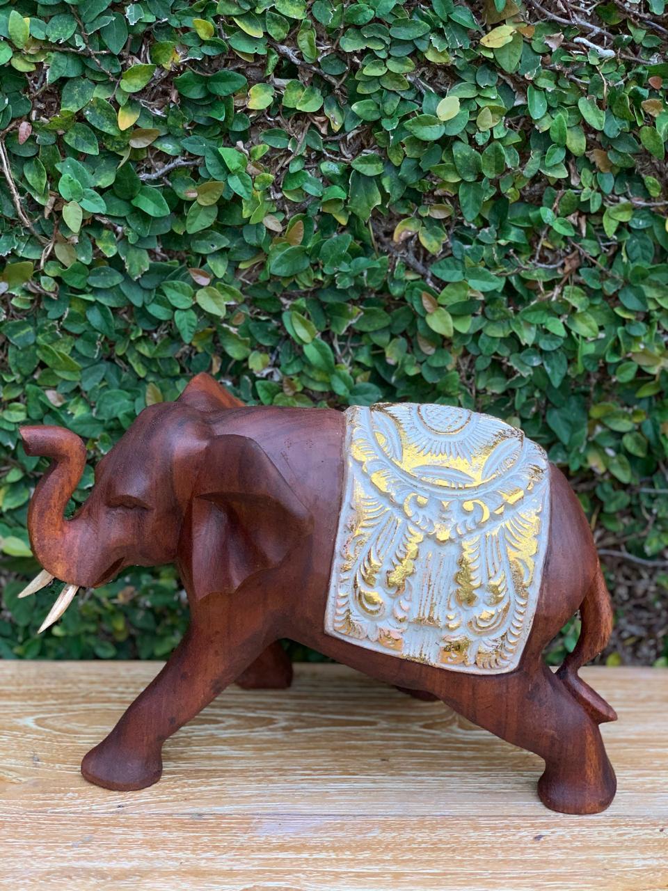 Escultura Elefante com Manto em Madeira Suar - Branco e Dourado ( 15/20/30cm )