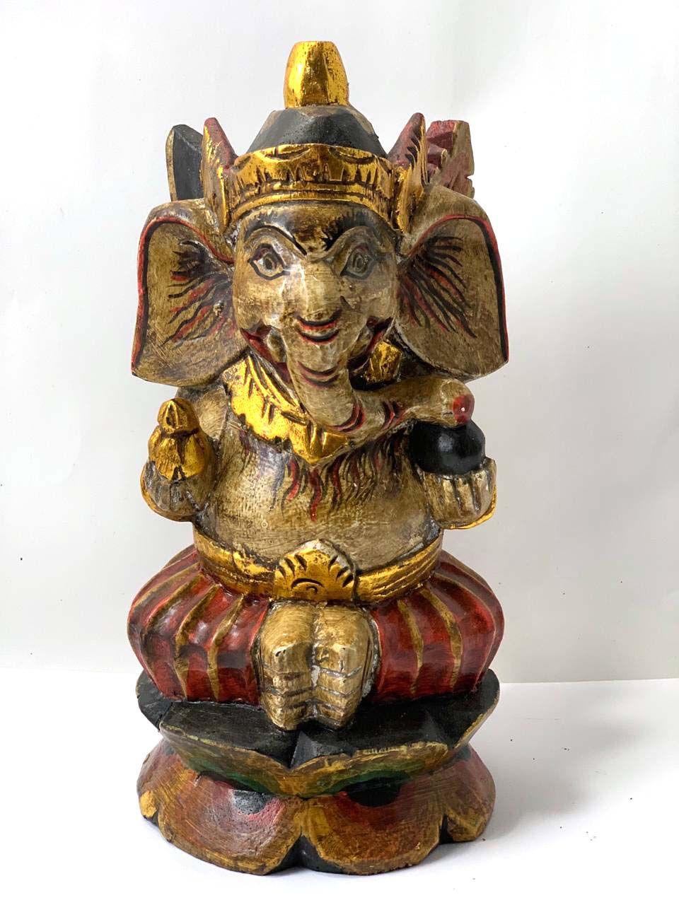 Escultura Ganesha em Madeira Pintada Bege e Vermelho ( 30 cm )